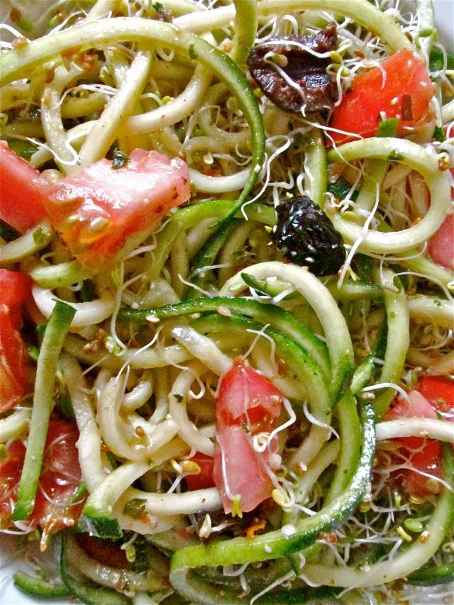 zucchini pasta salad 2