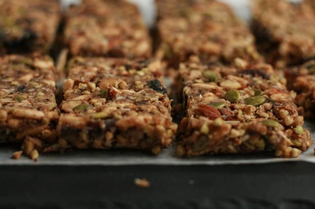 No-Bake Sprouted Buckwheat + Apricot Granola Bars-3